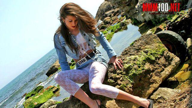 Alys Rebel Photo 1