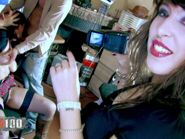 Porn video :   Amelie Jolie Moisex Juan Z photo 03