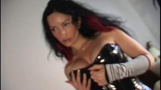 Sexy Video: Ana Martin