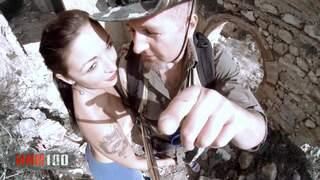 Bitchbuster chap 1 : The Castel slut  photo 01