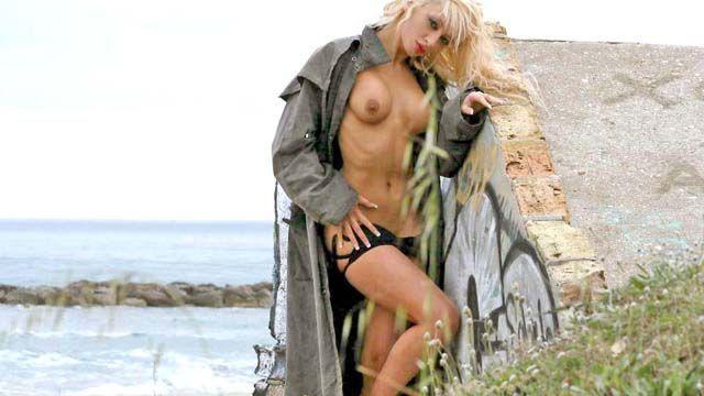 Angelina Photo 1