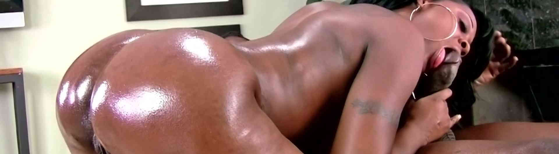 Porn video : Big black booty twerk and creampie