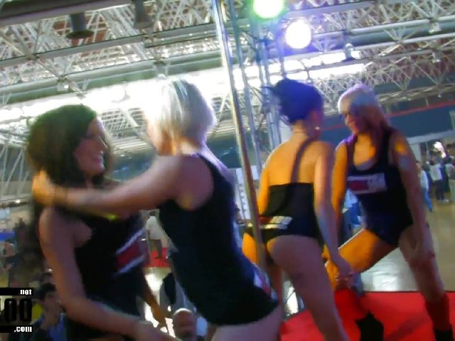 Porn video :   Barcelona 2010 Jordanne Kali Milky Penelope Tiger Jenny One Samia Duarte photo 01