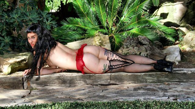 Betty Foxxx Photo 4