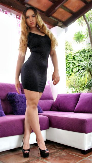 Briana Bounce Free Sexy Photo #001