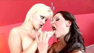 Porn video :   Britney Uhl photo 07