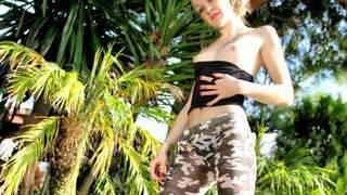 Nice teen blonde Candys Chupa strippin...photo 3