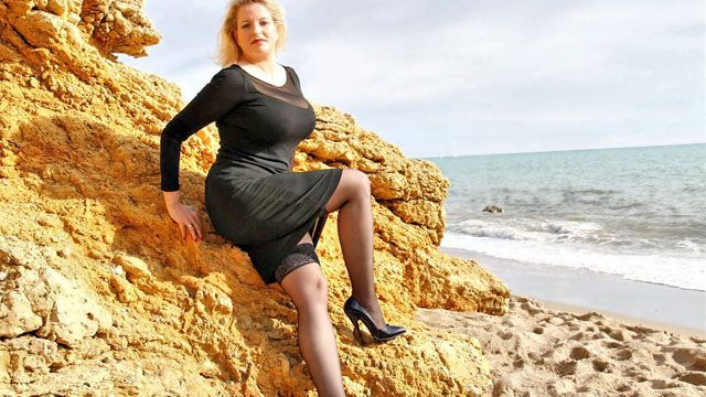 Carola Photo 2