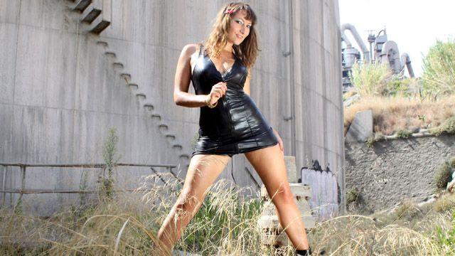 Charlotte De Castille Free Sexy Photo #002