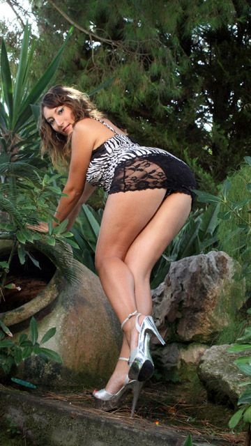 Charlotte De Castille Free Sexy Photo #006