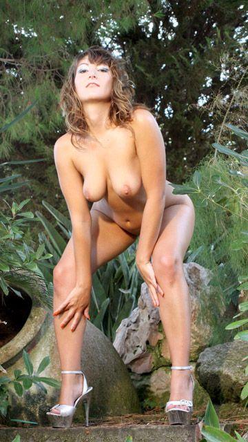 Charlotte De Castille Free Sexy Photo #029