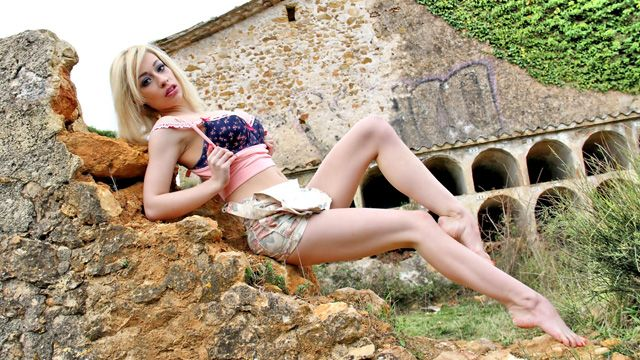 Chessie Kay Photo 3