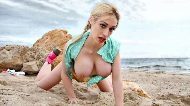 Chessie Kay Photo 2