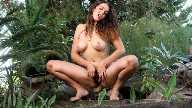 Claudia Bomb Photo 2