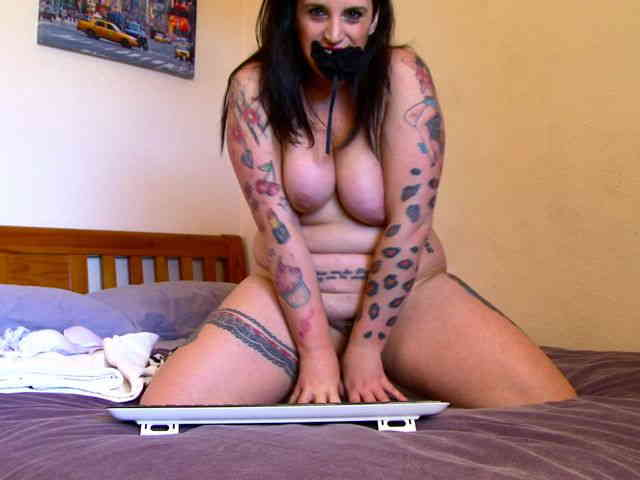 Cougar brunette having fun in front of her webcam  photo 16