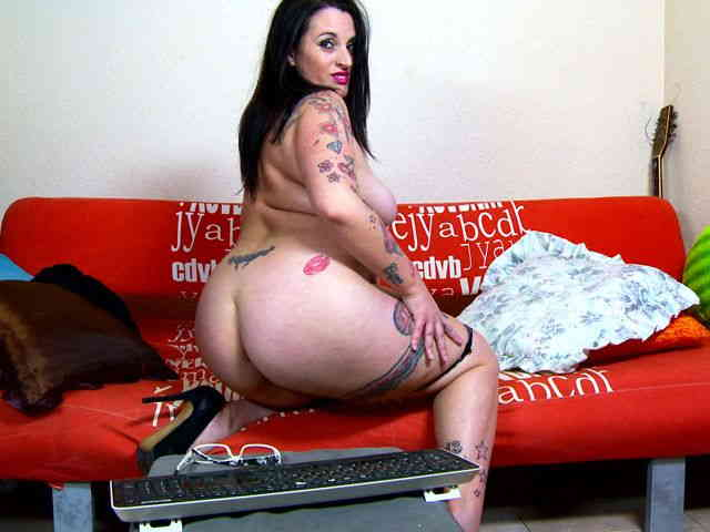 Geting naked on a sofa  photo 15