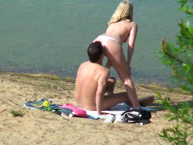 Spied having sex at the beach  photo 10