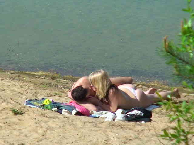 Spied having sex at the beach  photo 14