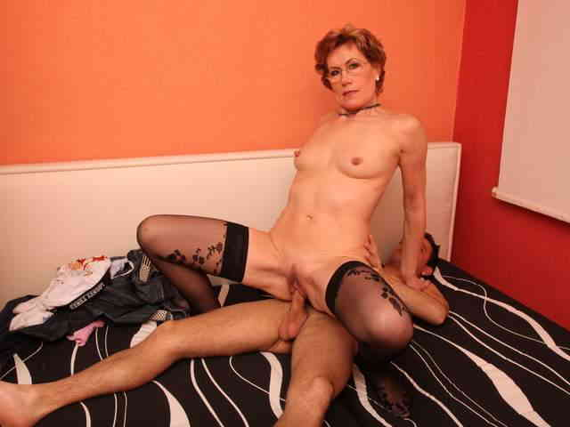 Mature nasty chick likes young cocks  photo 07