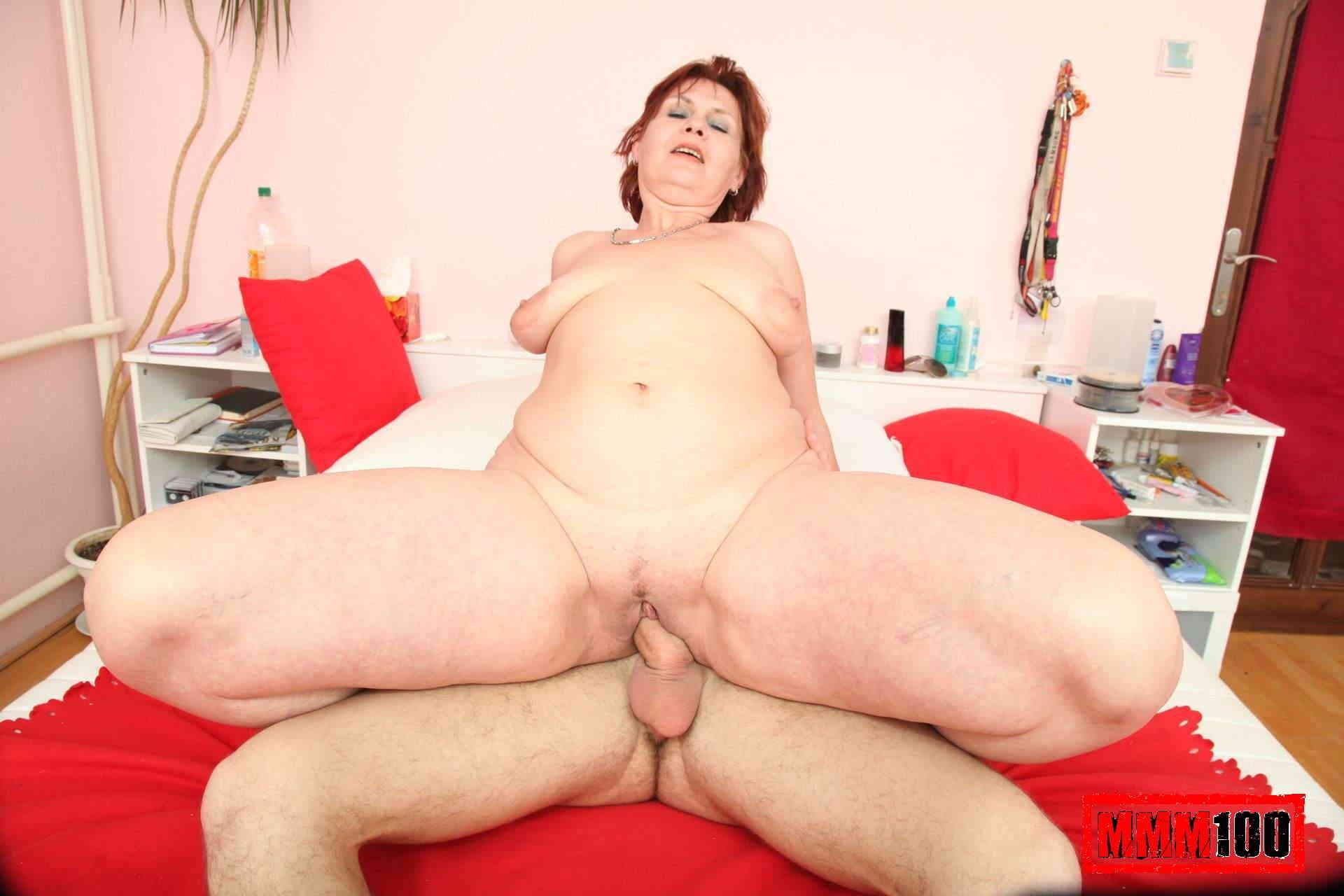 Секс как сын пристал к маме и трахнул 20 фотография