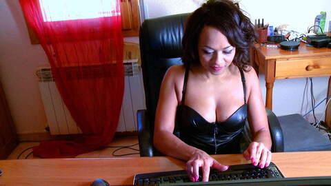 Pretty with big tits Dunia Montenegro ...photo 3