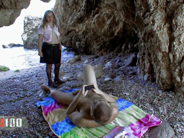 Old nasty MILF is seeking for cocks to blow  photo 01