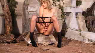 Great blonde Evy Sky removing clothes ...photo 4
