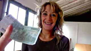Sex and money to bribe an inspector  photo 01