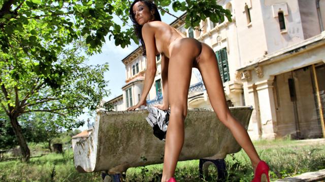 Francys Belle Photo 5