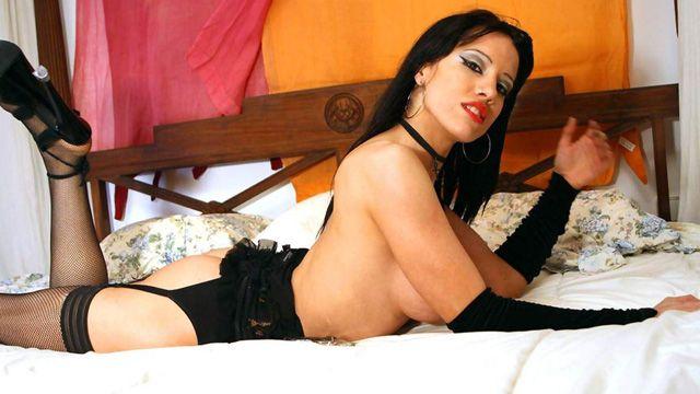 Gigi Love Photo 1