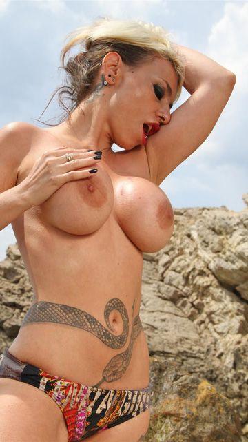 Gina Snake Free Sexy Photo #014