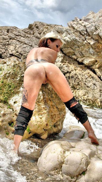 Gina Snake Free Sexy Photo #020