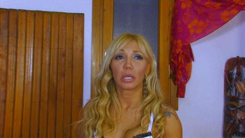 Video interview porno with Ginger Hell...photo 4