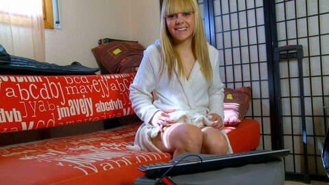 Nice teen blonde Jakeline Teen dancing...photo 1