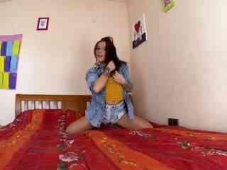 Jordanne Kali Webcam Bed Photo