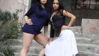Karmen Diaz   et Oldia Paris posent po...photo 1