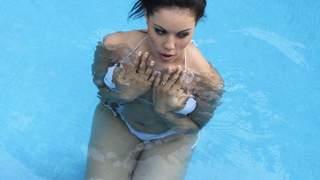 Horny arab brunette with big tits Karm...photo 3