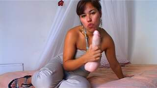 Latina playing in front of her webcam...photo 1