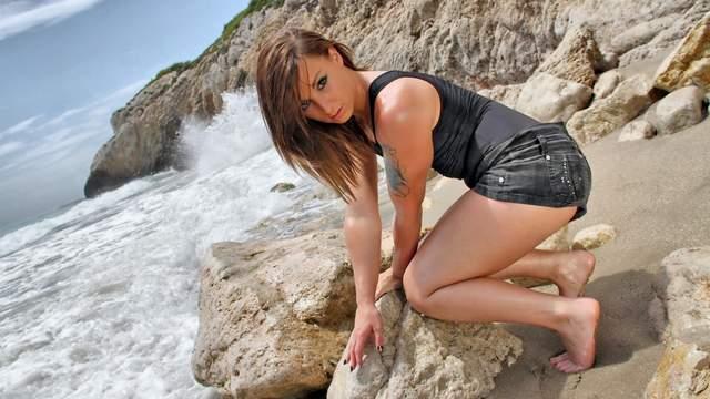 Kim Equinoxx Photo 4