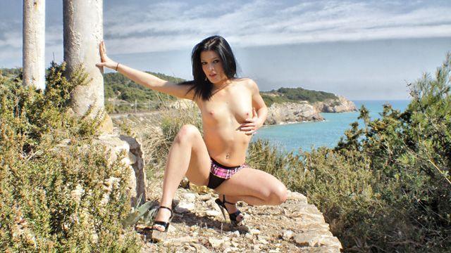 Lana Fever Photo 3