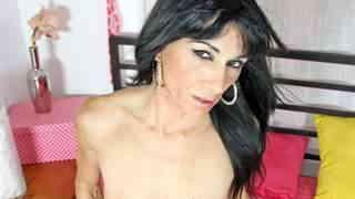 Nice MILF arab brunette Linda India do...photo 4