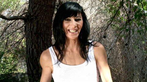 Interview porno with Linda India  photo 3