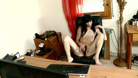 Cute mature arab brunette Linda India ...photo 4