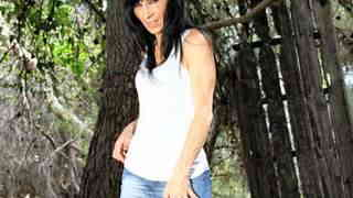 MILF arab brunette Linda India strippi...photo 3