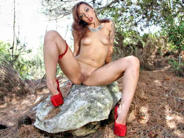 Geting nude in the woods  photo 16