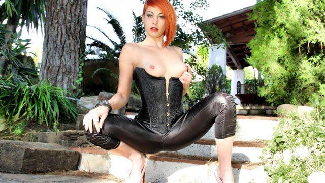 Lyza Vondee Photo 1