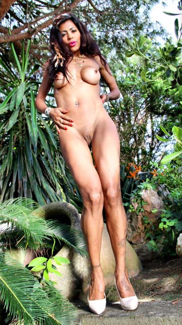 Manuella Pimenta videos & photos