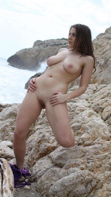 Maya Free Sexy Photo #045