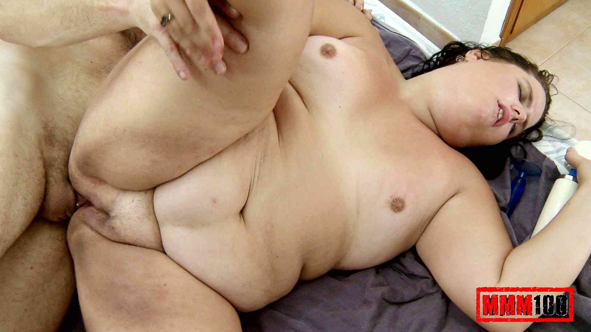 Sexy nude lesbians kissing