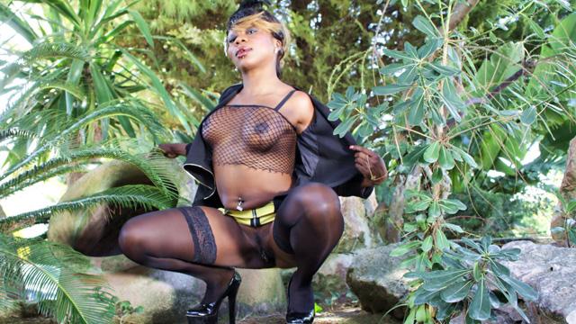 Naomi Lionness Photo 1